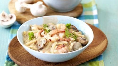 Creamy Pasta with Mushrooms, Prawns and Garlic
