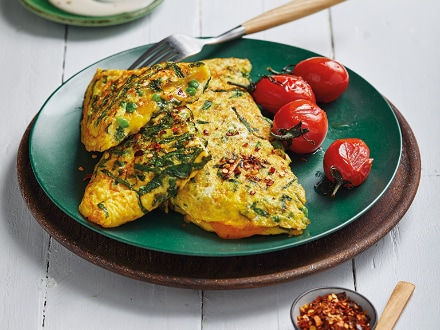Broccoli, Spinach and Pea Omlette with Blue Cheese Dressing